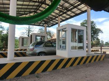 カンボジアの車事情その6.jpg